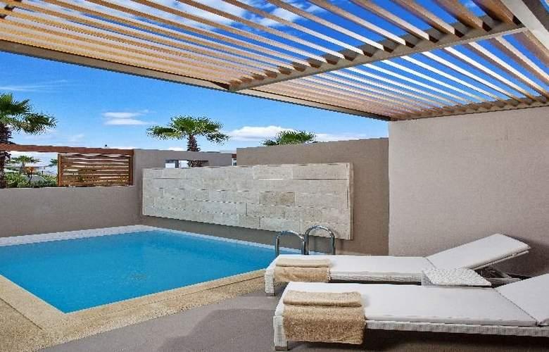 Avra Imperial Beach Resort & Spa - Pool - 8