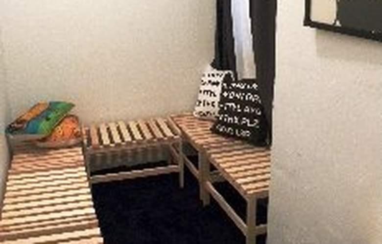 5 Bedroom Upper East Side Apartment - Room - 11