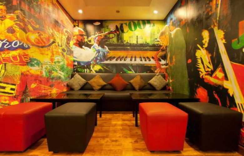 Red Fox Hotel East Delhi - Restaurant - 11