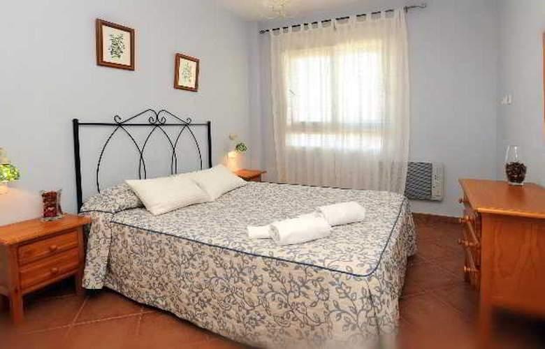 Leo Canela - Room - 4