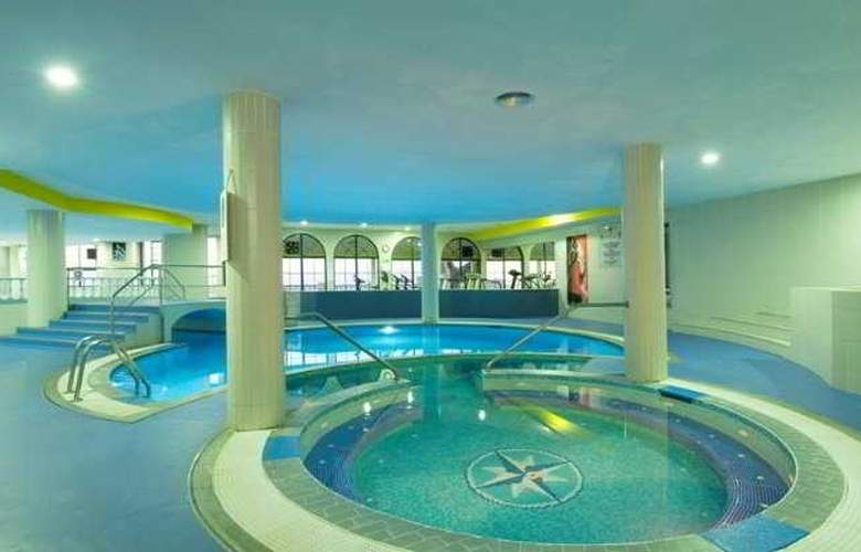 Royal Orchid - Pool - 6