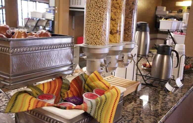 Best Western Plus Innsuites Phoenix Hotel & Suites - Hotel - 8
