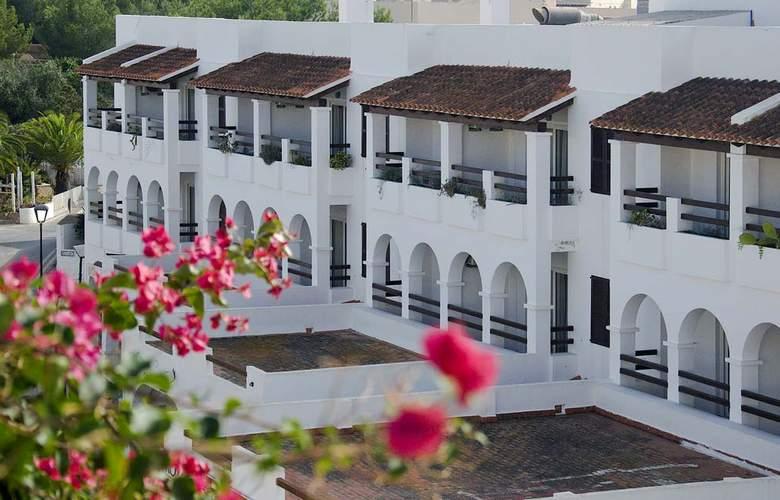 Apartamentos Pou Des Pujols - Hotel - 0