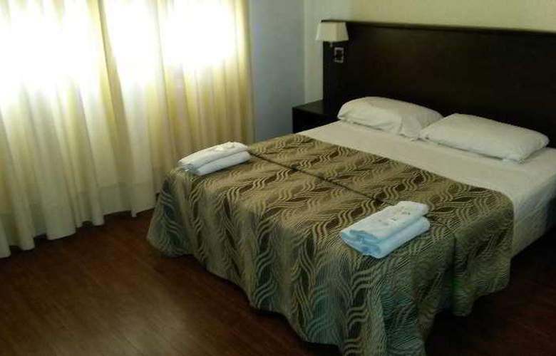 Tucuman Palace Hotel - Room - 9