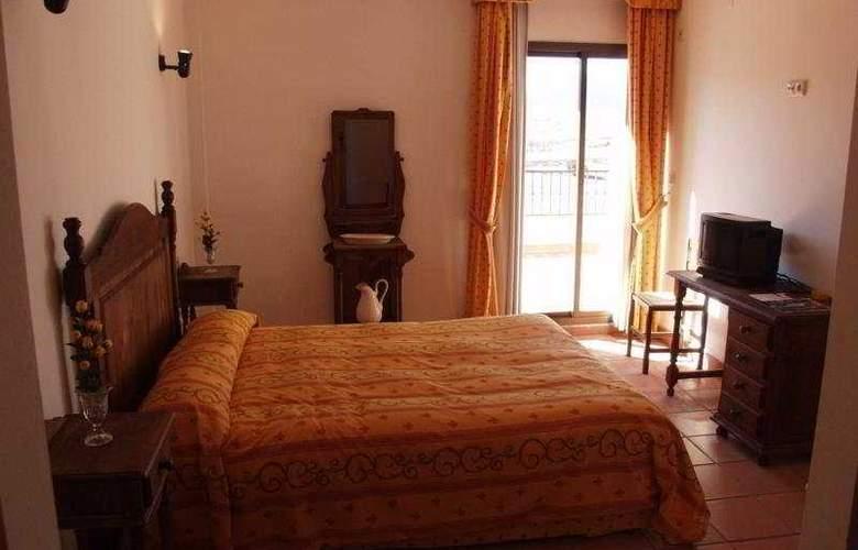 El Cerrillo - Room - 1