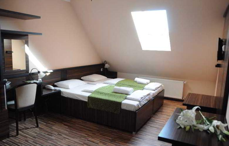 Green Hotel Budapest - Room - 5