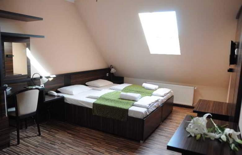 Green Hotel Budapest - Room - 5