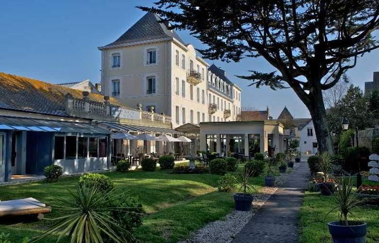 Grand Hotel de Courtoisville - Hotel - 0