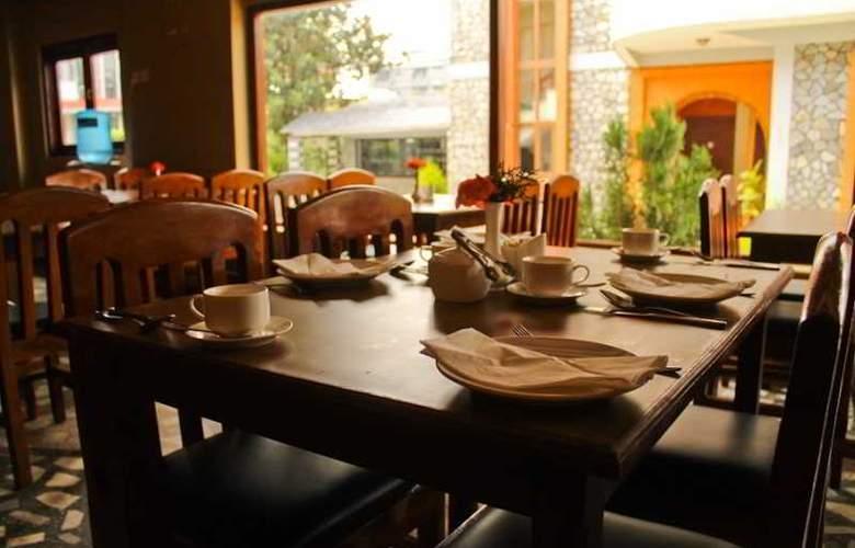 Peninsula - Restaurant - 3