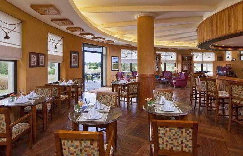 Sheraton Colonia Golf & Spa Resort - Restaurant - 51