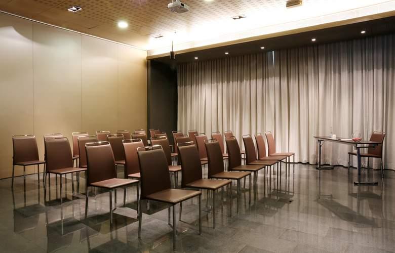 Occidental Atenea Mar  - Conference - 18