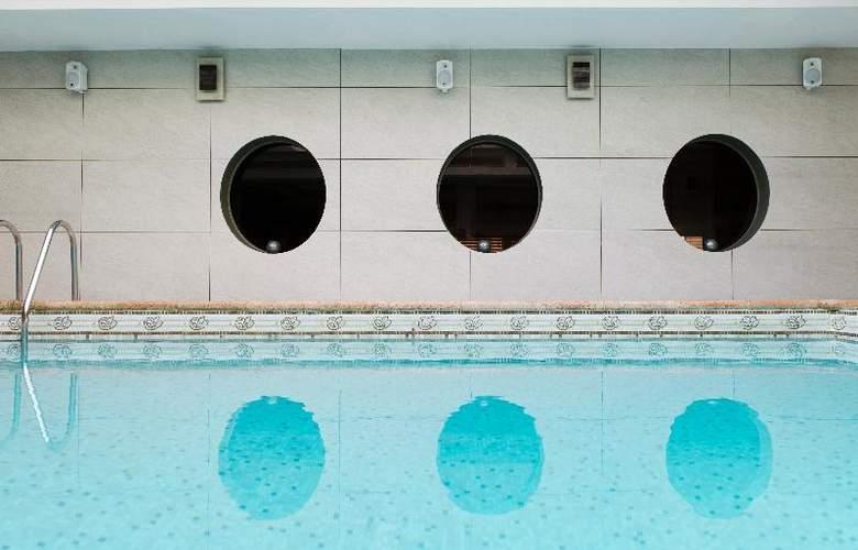 Nice Riviera - Pool - 17