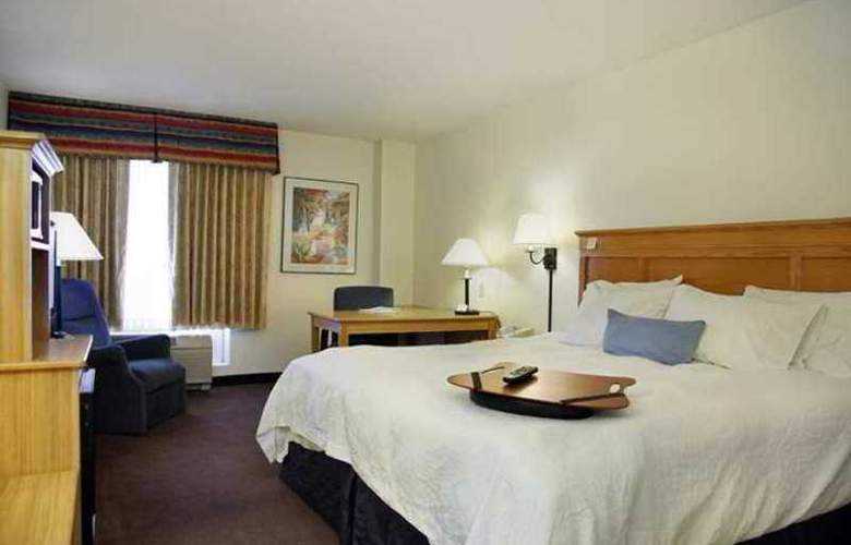 Hampton Inn & Suites Scottdale - Hotel - 3