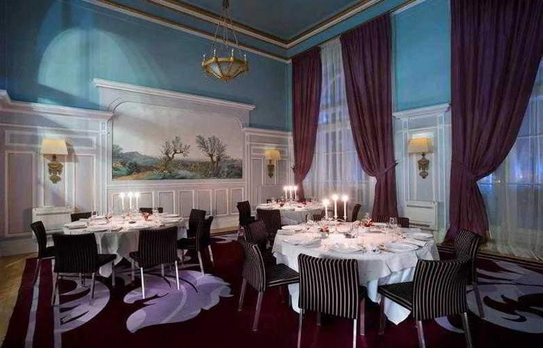 Le Grand Hôtel Cabourg - Hotel - 8