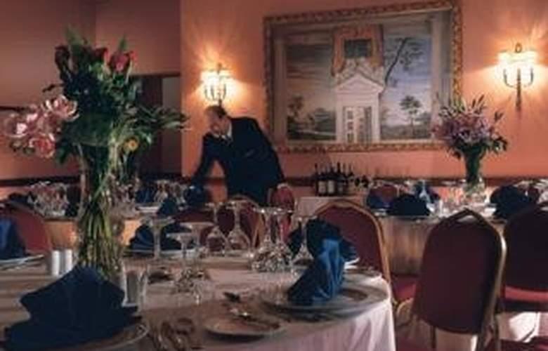 Hilton Alexandria Green Plaza - Restaurant - 5