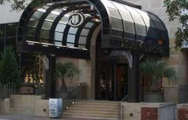 Hilton Savannah DeSoto - Hotel - 0