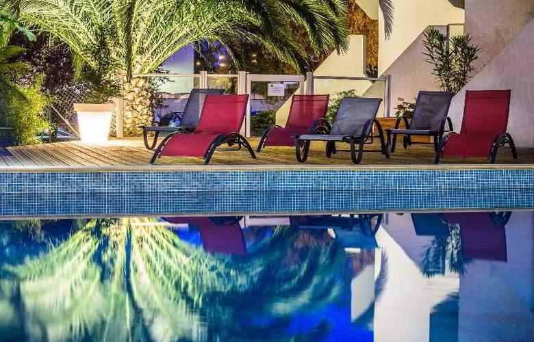 Le Bayonne Hotel & Spa - Pool - 11