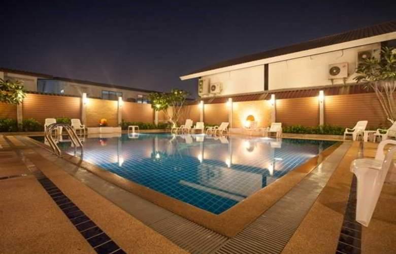 Suksabai Residence Pattaya - Pool - 52