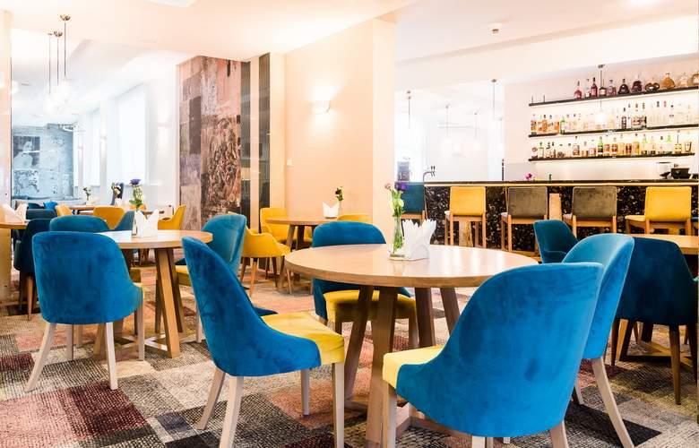 Sangate Hotel Airport - Bar - 14