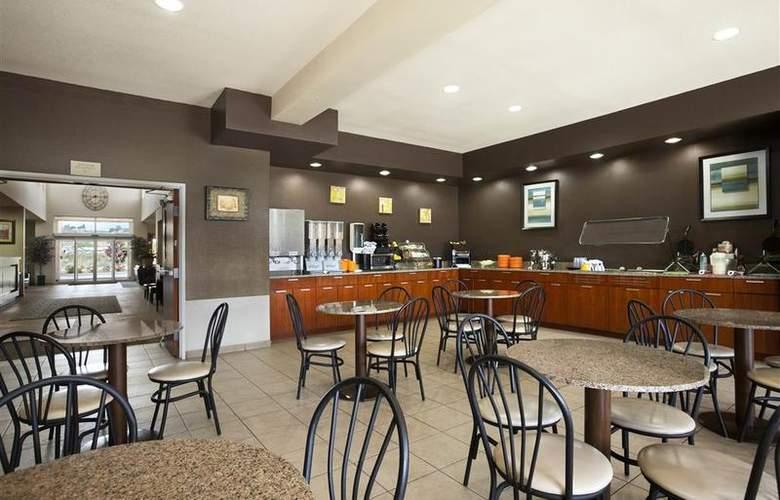 Best Western Peppertree Inn At Omak - Restaurant - 44
