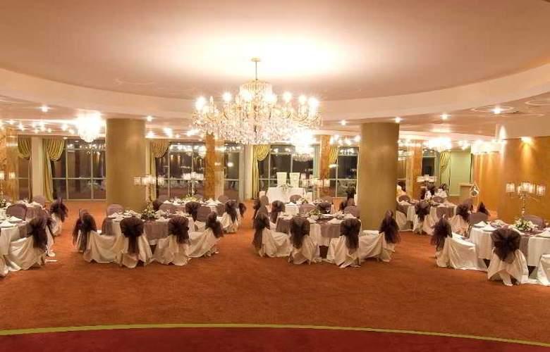 Charisma De luxe - Conference - 31
