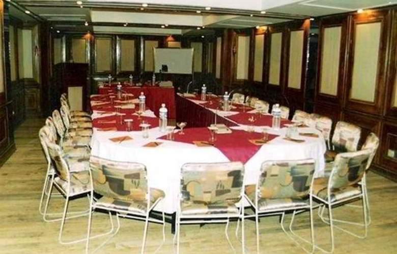 White Mist - Restaurant - 7