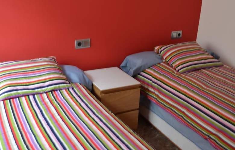 Apartamentos Camilo - Room - 12