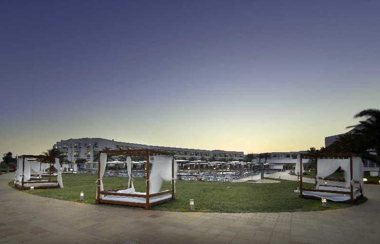 Grand Palladium Palace Ibiza Resort & Spa - Pool - 6