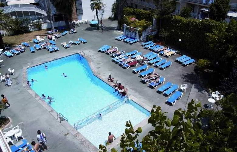 Villa Garbi - Pool - 3