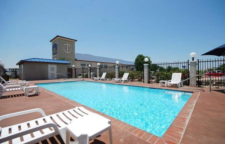 Best Western Plus Lake Worth Inn & Suites - Pool - 45
