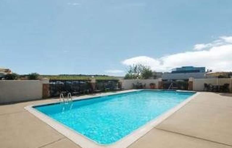 Comfort Inn Hwy. 290/NW - Pool - 4