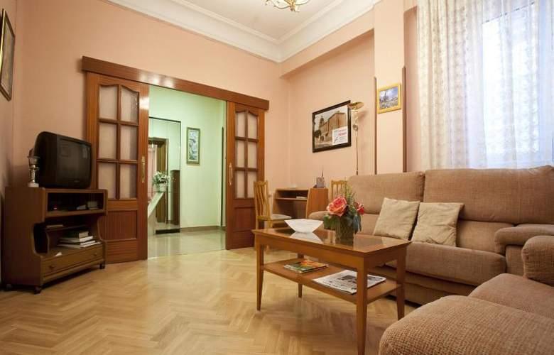 Hostal Maria Luisa - Hotel - 0