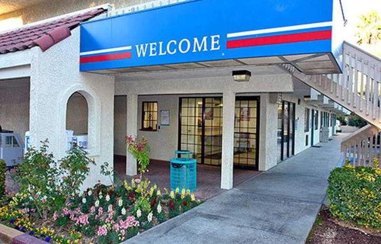 Motel 6 Los Angeles Pamona - Hotel - 0