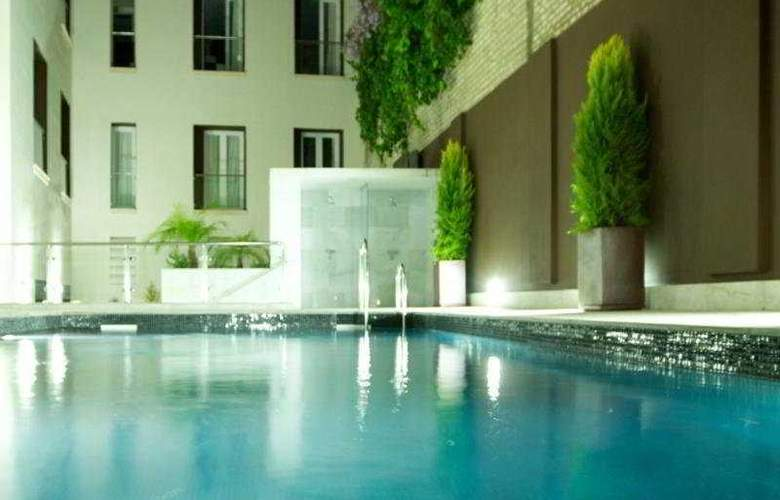 Eurostars Sevilla Boutique - Pool - 3