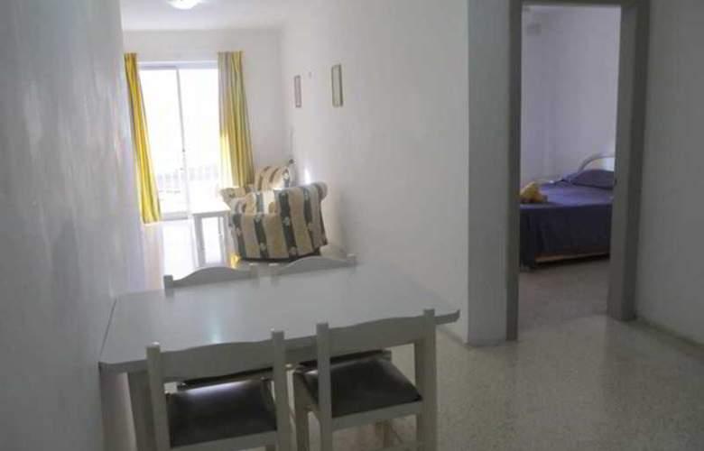 Shamrock Apartments - Room - 0