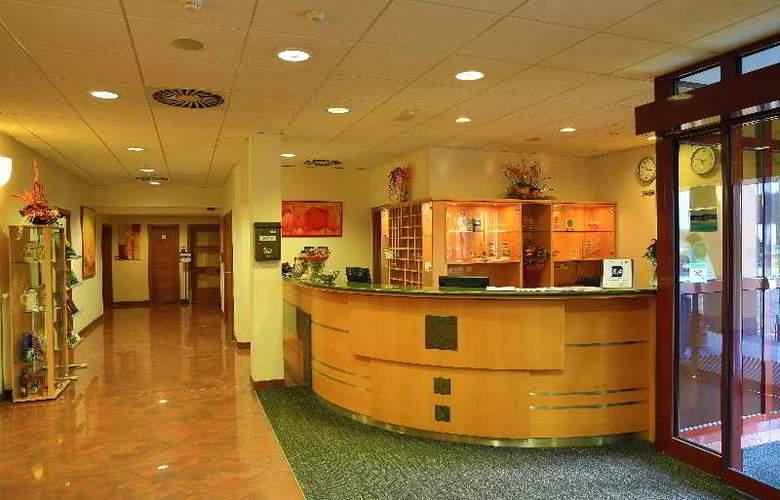 Primavera Hotel & Congress Centre - General - 8