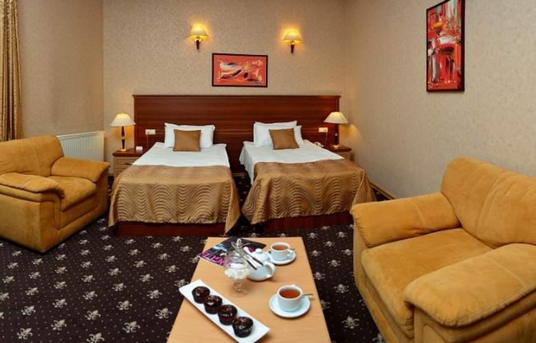 Riverside Hotel - Hotel - 19
