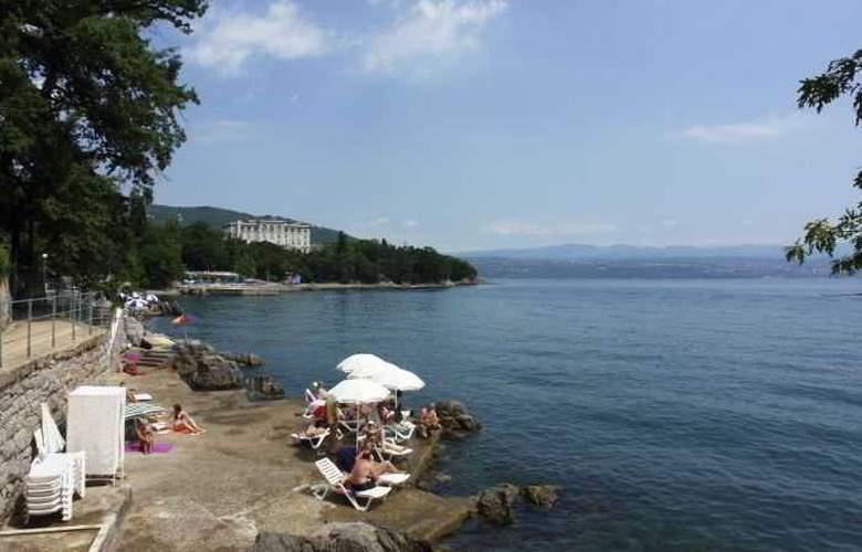Lovran - Beach - 0
