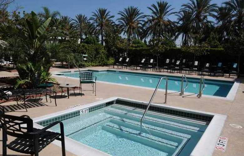Hilton Garden Inn Anaheim/Garden Grove - Hotel - 3