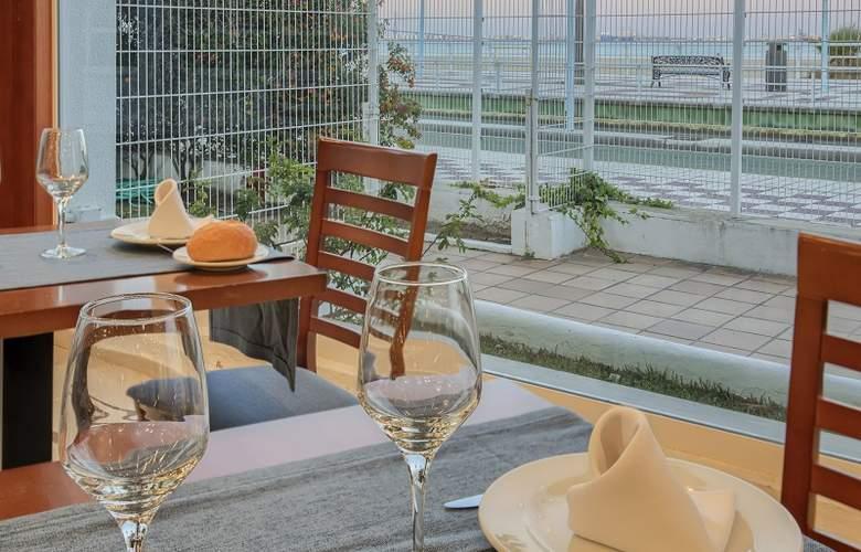 Puerto Bahia & Spa - Restaurant - 22