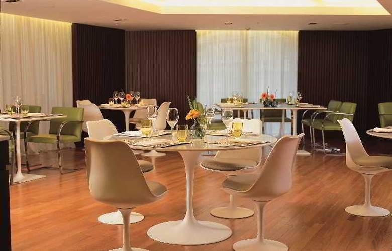 725 Continental Hotel - Bar - 14