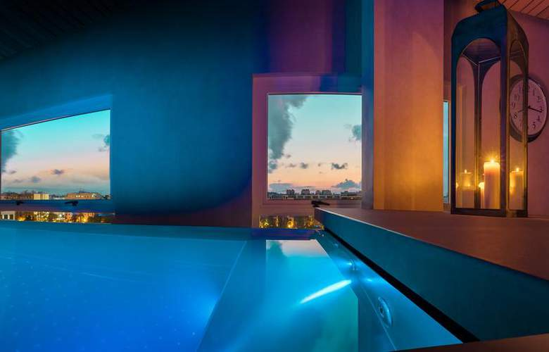 Sh Valencia Palace - Pool - 21