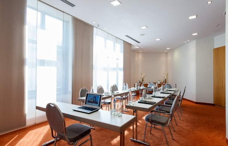 Estrel Hotel Berlin - Conference - 6
