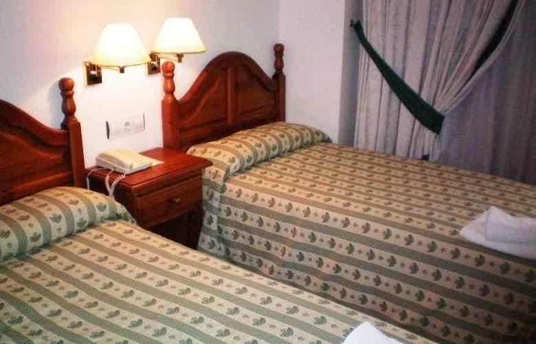 Clemente - Room - 1