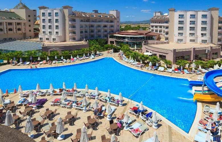 Lilyum Hotel - Pool - 10