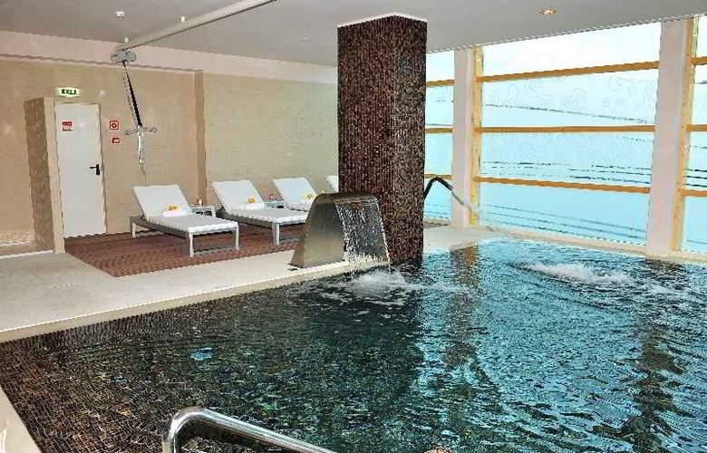 Axis Porto Business & SPA - Pool - 5
