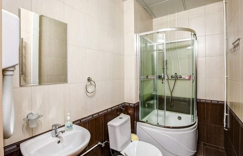 Hotel 365 - Room - 11
