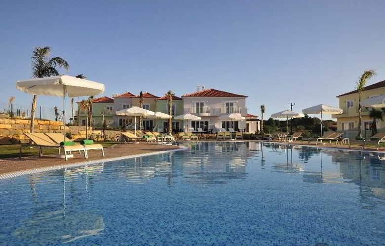 Eden Resort - Pool - 12