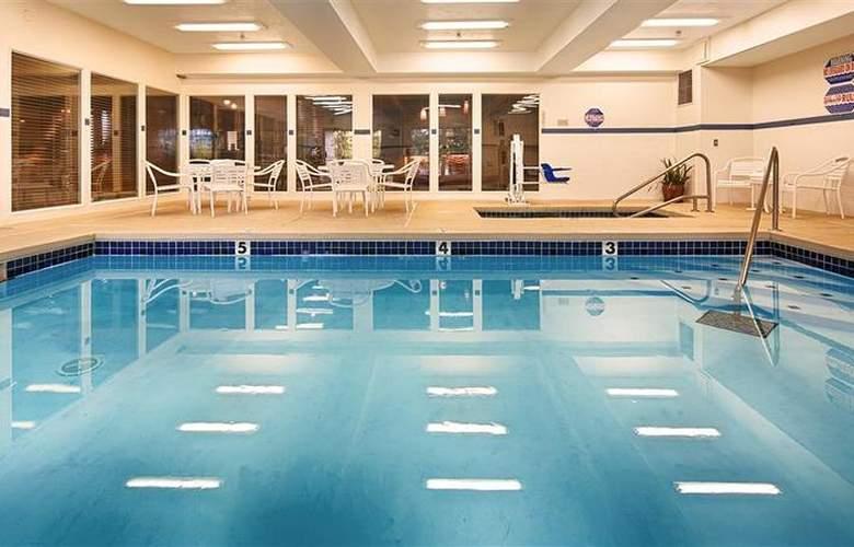 Best Western Plus Prairie Inn - Pool - 51