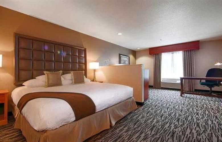 Best Western Plus Peppertree Auburn Inn - Hotel - 47